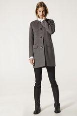 К чему снится пальто - узнаём будущее по толкованию популярных сонников. к чему снится новое пальто, грязное пальто, примерка, потеря, покупка пальто