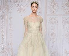 Мода на свадебные платья с рукавами возвращается