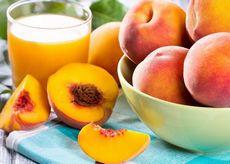 Персиковый сок: состав, польза и свойства сока персиков