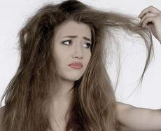 Пушащиеся волосы, почему волосы пушатся, что делать, чтобы волосы не пушились