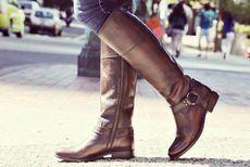 Уроки стиля: с чем носить высокие сапоги на низком каблуке