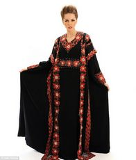 В дубае сшили самое дорогое в мире платье за $17,6 млн.